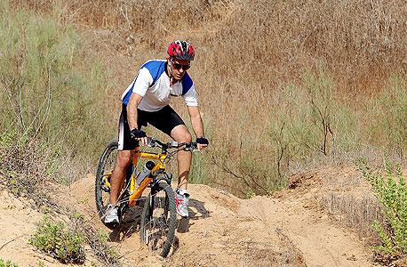 גיא בר און על אופני השטח