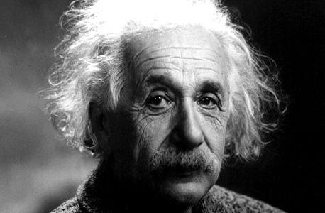 אלברט איינשטיין, פיזיקאי תיאורטי ופילוסוף של המדעים