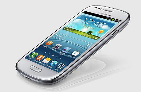 סמסונג גלקסי S3 מיני. מכשירים כאלו מחזקים את מעמדה של החברה כיצרנית המובילה בעולם