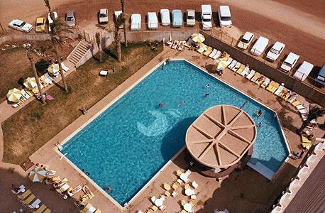 """מוסף נדלן נדל""""ן מלון מנדרין תל אביב, רפרודוקציה: ענר גרין"""