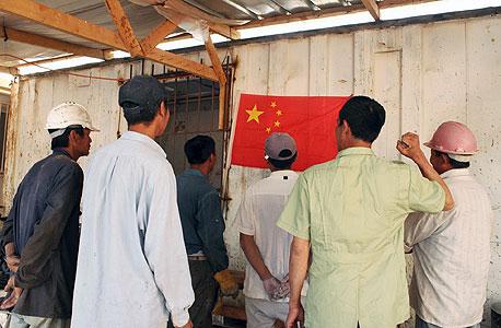 פועלי בניין סינים. יוחלפו על ידי הפועלים הפלסטינים?, צילום: זהר שחר