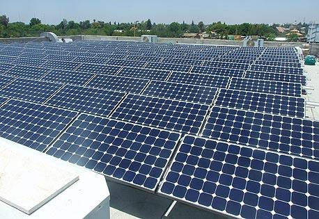 מערכת פאנלים סולאריים בקרית גת
