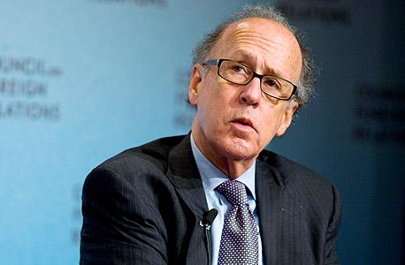"""פרופ' סטיבן רואץ'.  מדיניות הבנק המרכזי היא """"מאקרו־רשלנות פושעת"""""""