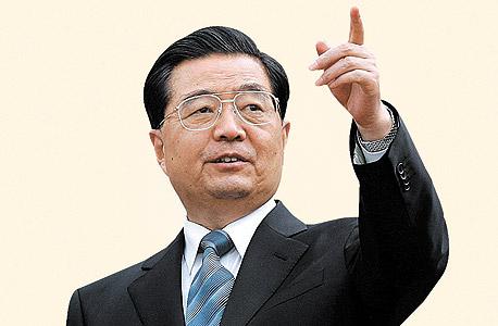 וון ג'יה־באו, ראש הממשלה היוצא של סין. טען כי לסין אין כלכלה מאוזנת