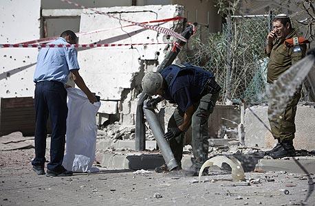 רקטה בשטח בנוי בבאר שבע, בית נפגע בשדרות