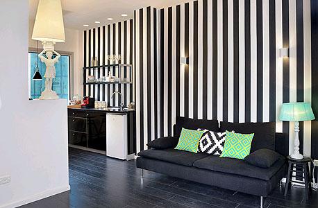 שחור ולבן. משרדי בלאמברג, צילום: יעל האן, דפנה לוי