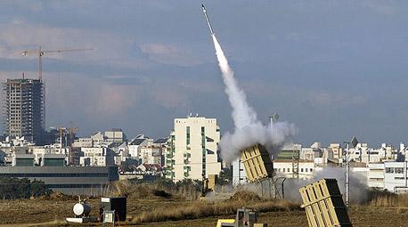 """מערכת כיפת ברזל בפעולה השבוע. """"החמאס צבר במשך זמן רב אלפי רקטות ונשק מפר איזון כמו נשק נגד טנקים ונגד מטוסים"""""""