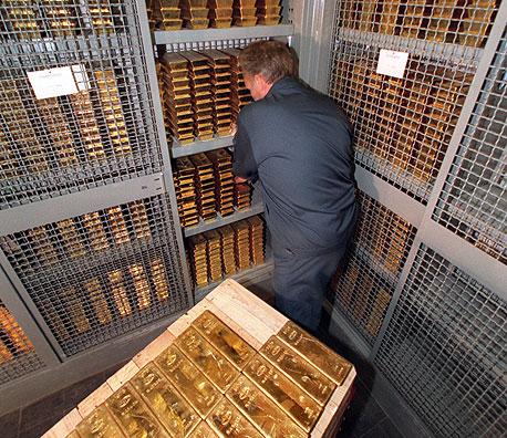 כספות הזהב בבנק המרכזי של שוויץ. פרט לגרמניה, גם ונצואלה, שוויץ והולנד נמצאות בתהליך של החזרת חלקים גדולים מהזהב שלהן מאנגליה ומארצות הברית