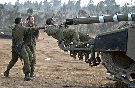 לא יהיו טנקים שיסעו בגבעות?