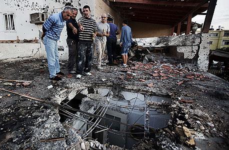 """בית באופקים שנפגע מטיל פלשתיני ביום ראשון. """"לחמאס חשוב לומר 'שיבשנו את החיים בישראל' יותר מאשר שייהרגו כמה אנשים"""""""