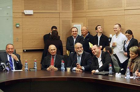 ישיבת סיעת ישראל ביתנו  בכנסת אביגדור ליברמן, צילום: עטא עוויסאת