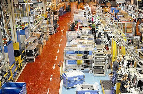 פס הייצור במפעל פאגור שבבעלות מונדרגון. ביטול הבונוס כאחריות קלקטיבית
