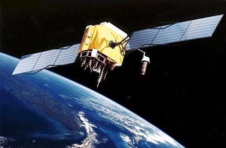 לוויין GPS. מכביד על הסמארטפון - ועל הסוללה