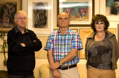 """עו""""ד שושנה גביש (מימין), פרופ' משה גביש ופרופ' אסא כשר. הגישו עתירה לבג""""ץ שעשויה להביא מהפכה של ממש בתעסוקת מבוגרים"""