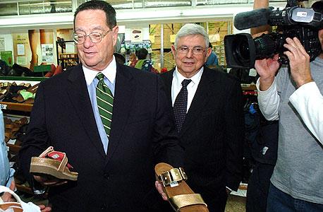 """נשיא קרן שמרוק סטנלי גולד (מימין) ומנכ""""ל טבע נאות מיכאל אילוז, צילום: אפי שריר"""