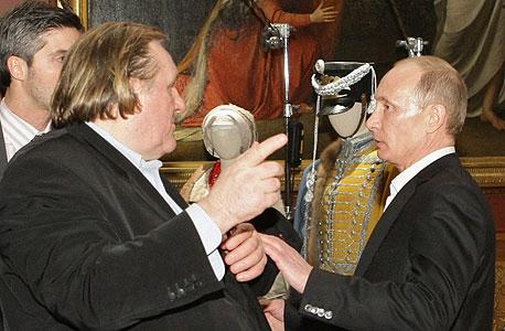 השחקן הצרפתי ז'ראר דפרדייה נשיא רוסיה ולדימיר פוטין, צילום: רויטרס