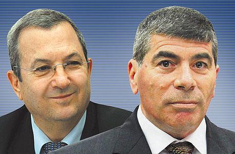 """מימין: הרמטכ""""ל לשעבר גבי אשכנזי ושר הביטחון לשעבר אהוד ברק, צילום: אלכס קולומויסקי, עטא עוויסאת"""