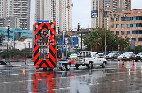 נתיבי איילון חסומים, מוקדם יותר היום, צילום: מאור סוויסה