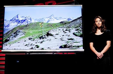 שדרוג מ-HD ל-UHD. טלוויזיית שארפ, צילום: בלומברג