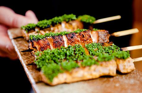פנאי מסעדות גורמה חדשות בעולם coya פילה סלמון 10.1.2013, צילום: בלומברג