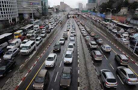 מפחיתים את העומס בכבישים, צילום: יובל חן