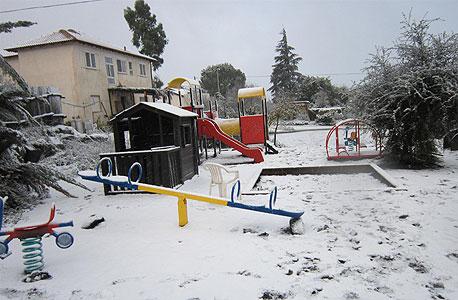 חורף 2013 שלג מושב קשת רמת הגולן, צילום: נעמי יארם