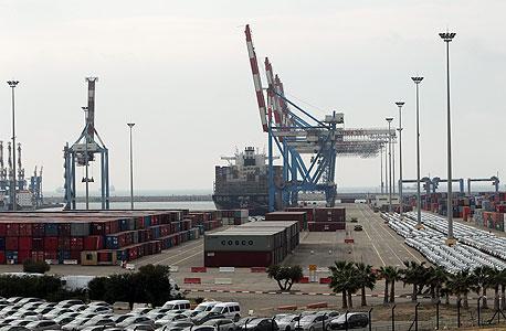 שוב עיצומים בנמל אשדוד: העובדים הפסיקו לפרוק מכוניות חדשות