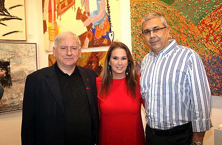 ציון קינן שרי אריסון יאיר סרוסי בנק הפועלים ב תערוכת האומנות הישראלית למען המאבק באיידס, צילום: סיון פרג'