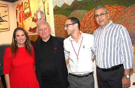 ציון קינן יובל לבנת יאיר סרוסי שרי אריסון בנק הפועלים ב תערוכת האומנות הישראלית למען המאבק באיידס, צילום: סיון פרג'