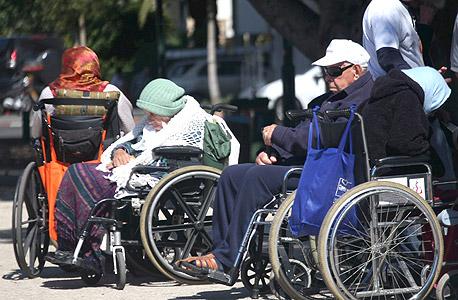 זקנים בכיר המדינה בתל אביב. ב-2030 צפוי להיות קשיש אחד על כל ארבעה ישראלים בגיל העמידה, צילום: אוראל כהן