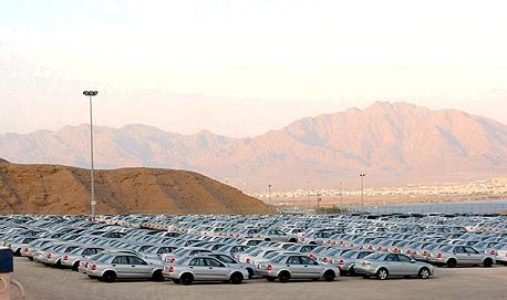 רכבים חדשים בנמל. ירידה של 37.4% בהכנסות מיבוא מכוניות נוסעים
