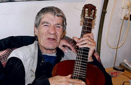 מת המוזיקאי שמוליק קראוס