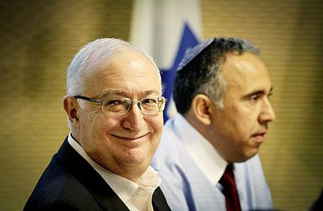 פרופ' מנואל טרכטנברג ו אייל גבאי, צילום: מיקי אלון