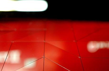 מוסף באזז 18.3.13 קיפולי מתכת אילן גריבי, צילום: עמית שעל