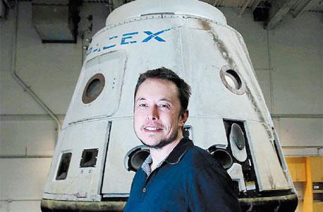 """מאסק וה""""דראגון"""". """"הדגם הזה כבר יכול להגיע למאדים אבל יתרסק בנחיתה. אנחנו עובדים על הדור הבא"""""""