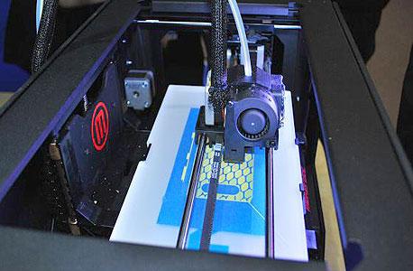 שוק בצמיחה, עם פוטנציאל גדול. מדפסת 3D מבית מייקרבוט בעבודה