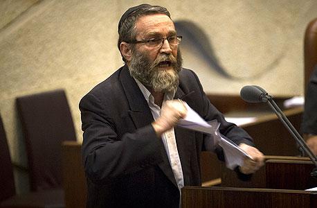 """משה גפני, יו""""ר ועדת הכספים הקודם. חלק מההחלטות אושרו כשרק הוא נוכח בהצבעה"""