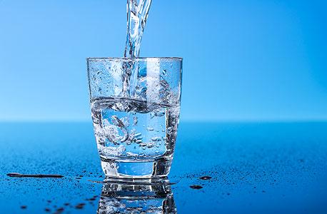 שתיית מים. עדיין הבחירה הבריאה ביותר
