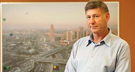 """שי ברס, מנכ""""ל חברת נתיבי ישראל (מע""""צ לשעבר). נמצאים בשלב הויכוחים מול הגופים הירוקים לגבי רכבת לאילת"""