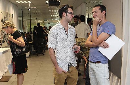 האמן גדעון לוין (מימין), צילום: אוראל כהן