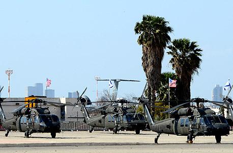 """מסוקים שהובאו מארה""""ב לקראת ביקור הנשיא ברק אובמה, צילום: יובל חן"""