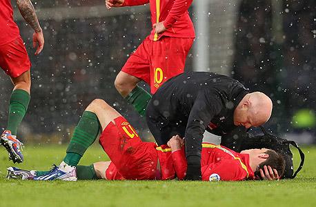 פציעה.  30% מהכדורגלנים סובלים משחיקה של הסחוס בברכיים ומפרקים אחרים
