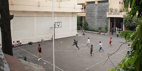 בית ספר יסודי בו למד ברק אובמה ג'קארטה אינדונזיה, צילום: בלומברג