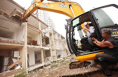 שר הבינוי והשיכון אורי אריאל בהריסת בנייני המגורים בערבי נחל גבעתיים, צילום: חן גלילי