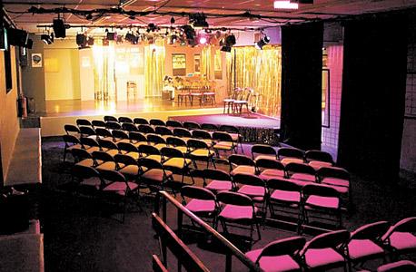 Courtyard Theatre: מחזאות חדשה. מחירים משתנים בהתאם לאירוע