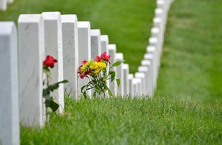 בית קברות, צילום: שאטרסטוק