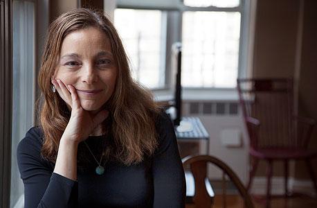 הליין אולן בביתה בברוקלין. רק אחד מכל חמישה עובדים מעל גיל 55 הצליח לחסוך יותר מ־250 אלף דולר לפנסיה