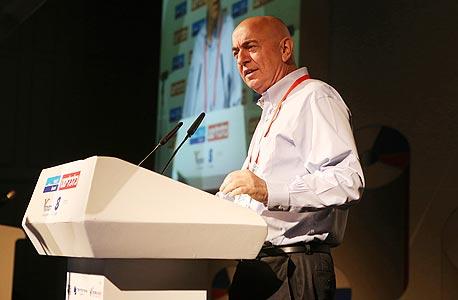 """מו""""ל """"כלכליסט"""" יואל אסתרון נואם בוועידה"""