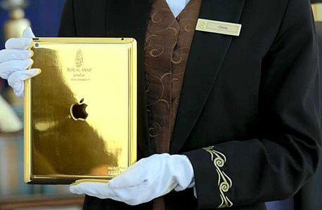 טאבלט של אפל מצופה זהב