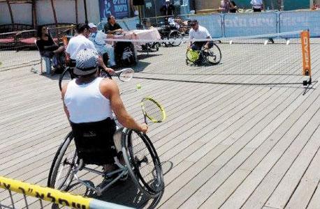מסלול מכשולים בכיסא גלגלים